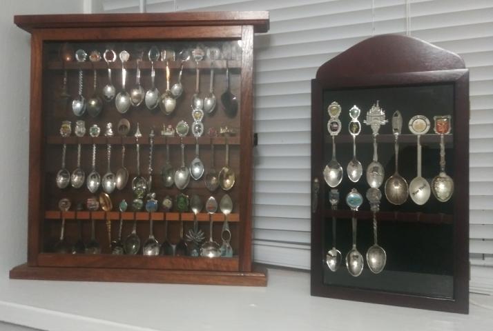 Dual spoon case wielding